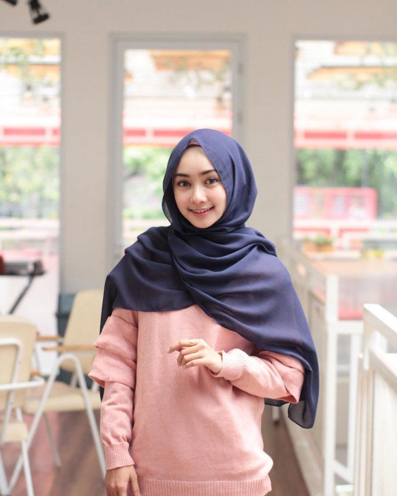 8 Gaya Hijab Pashmina Tanpa Jarum Pentul Tapi Tetap Terlihat Rapi Dan Cantik Bababeli