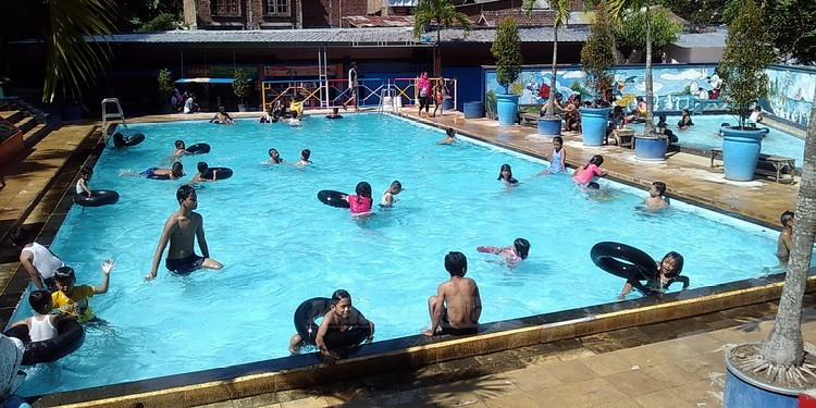 10 kolam renang di malang yg tiket masuknya dibawah rp 50 000 rh bababeli com hotel murah dengan kolam renang di malang kolam renang murah malang kota