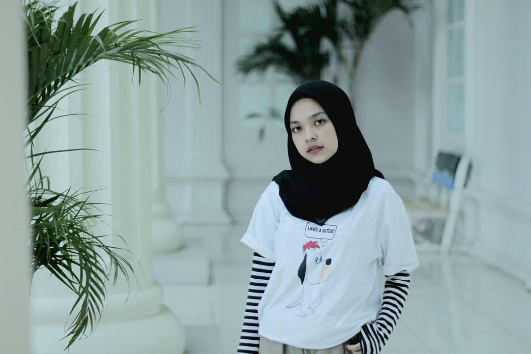 Tips Padu Padan Warna Hitam Dan Putih Untuk Gaya Yang Elegan Bababeli